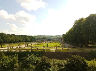 Blick nach Süden, im Hintergrund Orangerie